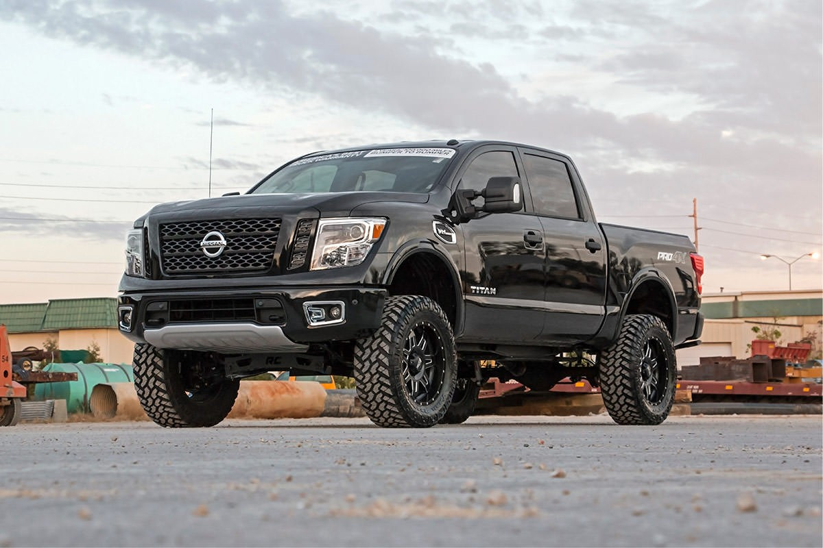 rough country 6 lift for the 2016 nissan titan xd nissan race shop. Black Bedroom Furniture Sets. Home Design Ideas