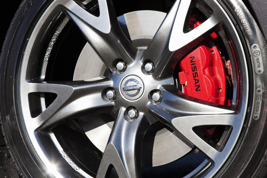 Oem Nissan 370z 40th Anniversary Caliper Akebono Red