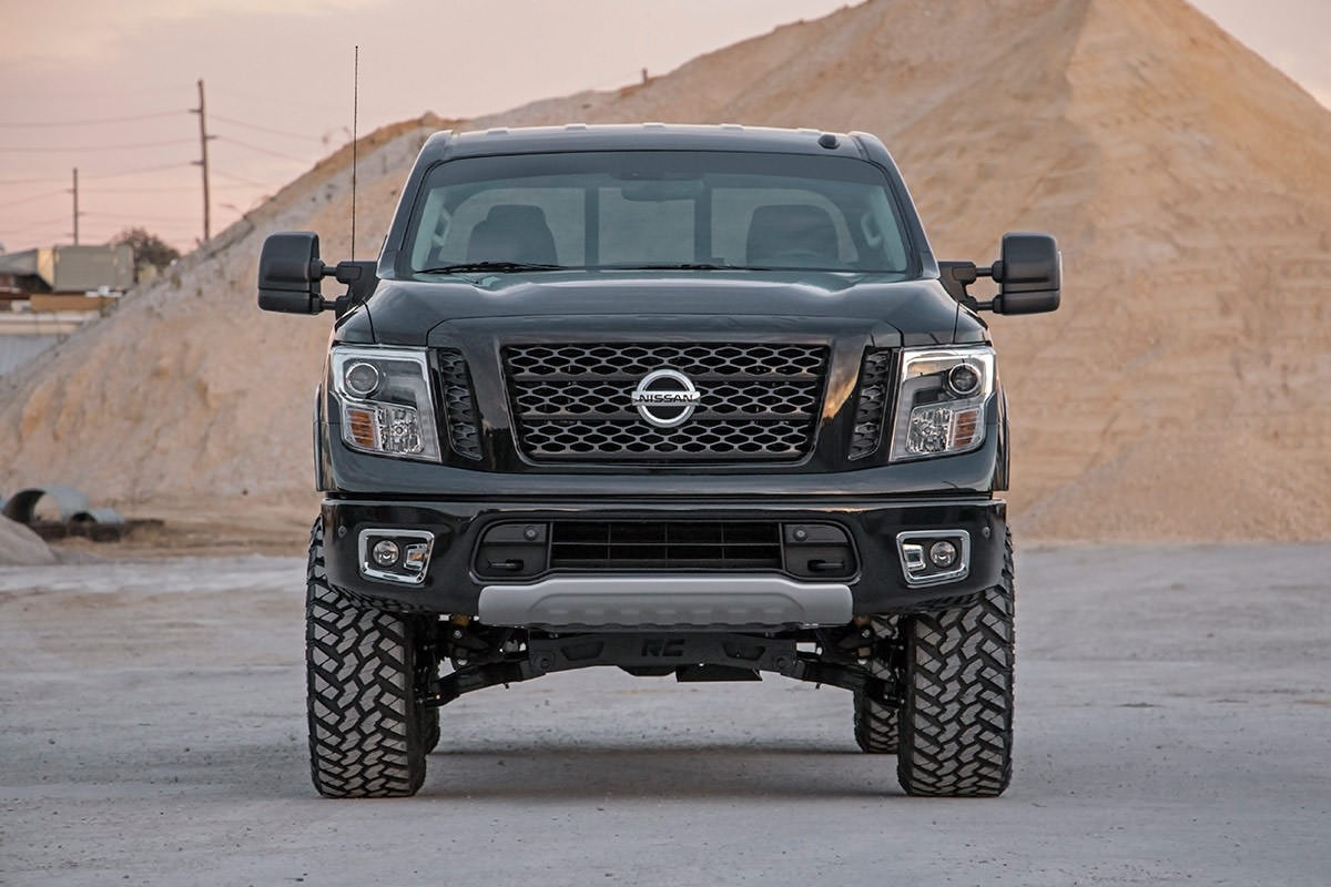 Lifted Titan Xd >> Rough Country 6in Suspension Lift Kit (2017+Titan 4WD - Non-XD) - Nissan Race Shop